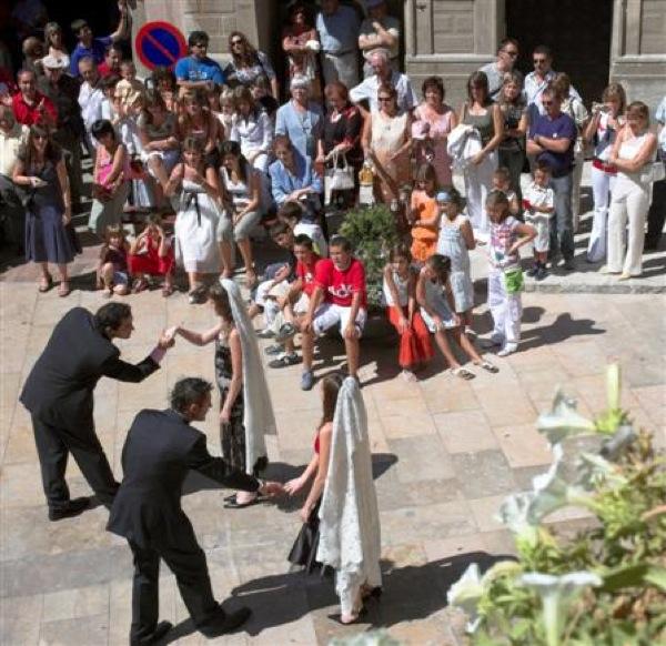 01.09.2006 Dansa de sant Gil  Torà -  Xavier Sunyer