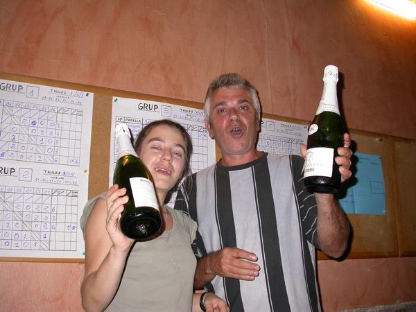02.09.2006 La Cèlia i el Pele amb un premi de consolació, snif, snif  Torà -  Ramon Sunyer