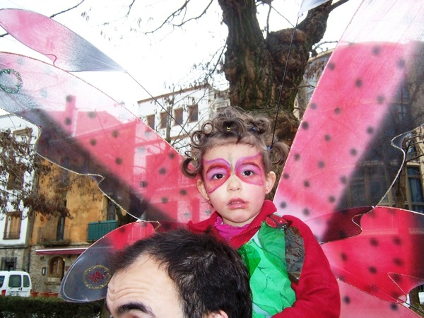 17.02.2006 Nena papallona  Torà -  J.Gatnau Grau