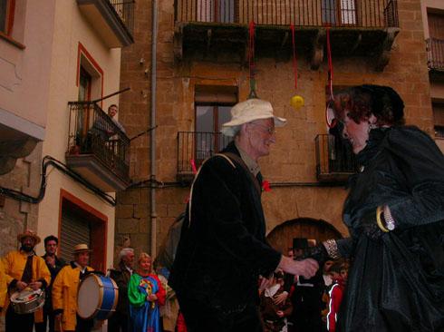 22.02.2003 Dansa del Brut ( Pep de Jovans) i la Bruta ( Maria de cal Sala)  Torà -  Ramon Sunyer