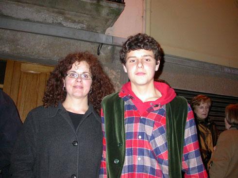 22.02.2003 Toni Bolea, geganter, i la Sílvia, sa mare  Torà -  Ramon Sunyer