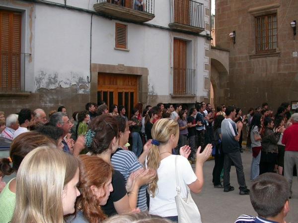 05.06.2003 Gran rebuda dels joves a la vila  Torà -  Ramon Sunyer