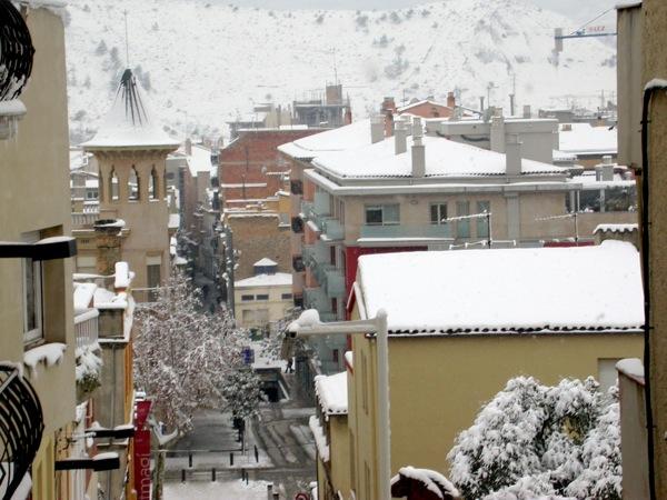 28.01.2006 Vista general amb la muntanya del Pi al fons  Igualada -  Ramon Sunyer i Balcells