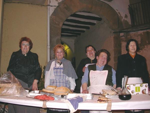 18.02.2006 Les encarregades de la intendència  Torà -  Ramon Sunyer