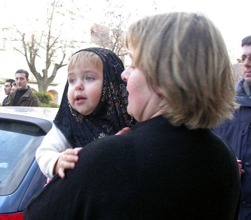 14.02.2004 La Sara amb sa mare l'í€ngela Sunyer  Torà -  Ramon Sunyer