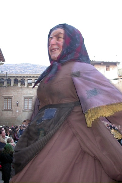 14.02.2004 La geganta Bruta  Torà -  Ramon Sunyer