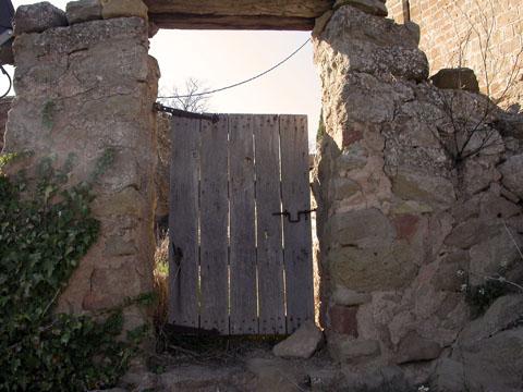 06.04.2005 Entrada a l'hort  L'Aguda -  Ramon Sunyer