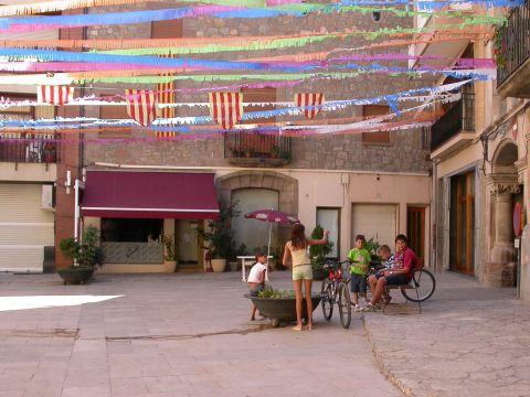 01.09.2007 Plaça del pati  Torà -  Ramon Sunyer
