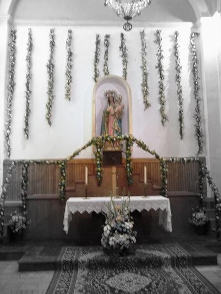 06.05.2007 Detall de l'altar del Roser  Torà -  Josep Gatnau