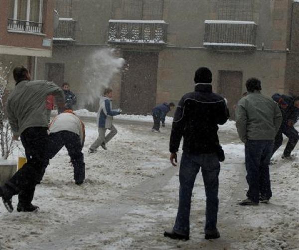 28.01.2006 Guerra de neu  Torà -  Xavi