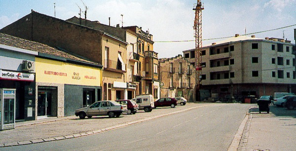 04.02.2005 Plaça de la Creu  Torà -  Ramon Sunyer