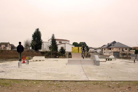 04.02.2005 Pista skate  Torà -  Ramon Sunyer