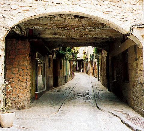 Antiga casa Mujal, avui cal Guatlles - Torà