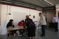Mesa electoral situada a les escoles