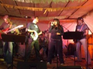 El grup Bottomless actuarà dilluns a la nit