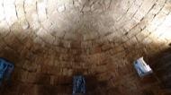 Vallferosa: Sostre del terrat, volta romànica de pedra treballada i escairada. accès als matacans exteriors.  Xavier Sunyer