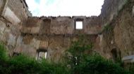 Llanera: Castell de Llanera. Avui dia un gran casalot del XVII molt malmès i en fase d'enderroc total  Xavier Sunyer