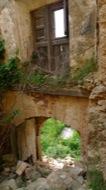 Llanera: Castell de llanera, la destrucció del seu interior és total.  Xavier Sunyer
