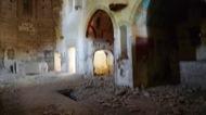 Llanera: San Martí de Llanera. El Bisbat de Solsona és el propietari d'aquesta església. No ha fet rés per impedit l'espoli, la destrucció i el deteriorament de l'edifici. No dóna cap importància als edificis on no s'hi practiqui culte.  Xavier Sunyer
