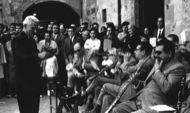 Francesc Mases dirigint la cobla ( anys 60's)