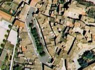 Torà: Vista aèrie abans de la remodelació  Google maps