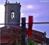 Torà: Plou, campanar de Torà des de la meva finestra  Carmen Aparicio