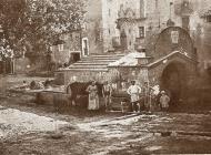 Torà: La font de la vila de Torà, any 1933  Carmen Aparicio