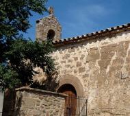 Al cementiri de l'església de sant Joan de Puigredon s'ha localitzat una fossa