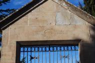 Pinós: detall llinda cementiri  Ramon Sunyer