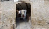 Sanaüja: Portal de la baixada de Sant Roc  Ramon Sunyer