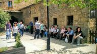Pinós: al pedrís de l'hostal  Ramon Sunyer
