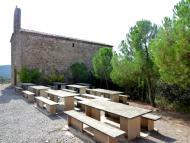 Vilanova de l'Aguda: Zona de descans a l'ermita de Santa Perpètua  Isidre Blanc