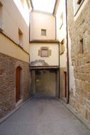 Vilanova de l'Aguda: portal  Ramon Sunyer