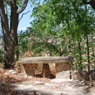 L'Alzina: banc de pedra  Ramon Sunyer
