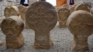 Sanaüja: Esteles funeràries  Ramon Sunyer