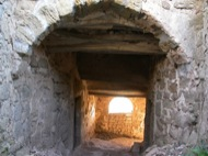L'Aguda: Una altra vista del portal d'entrada  Ramon Sunyer