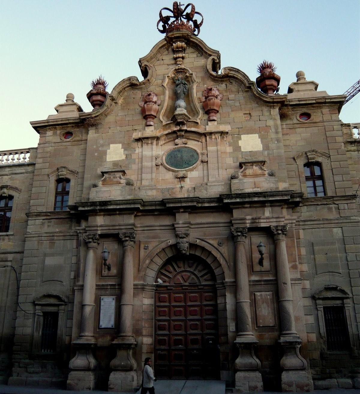Façana de la Universitat