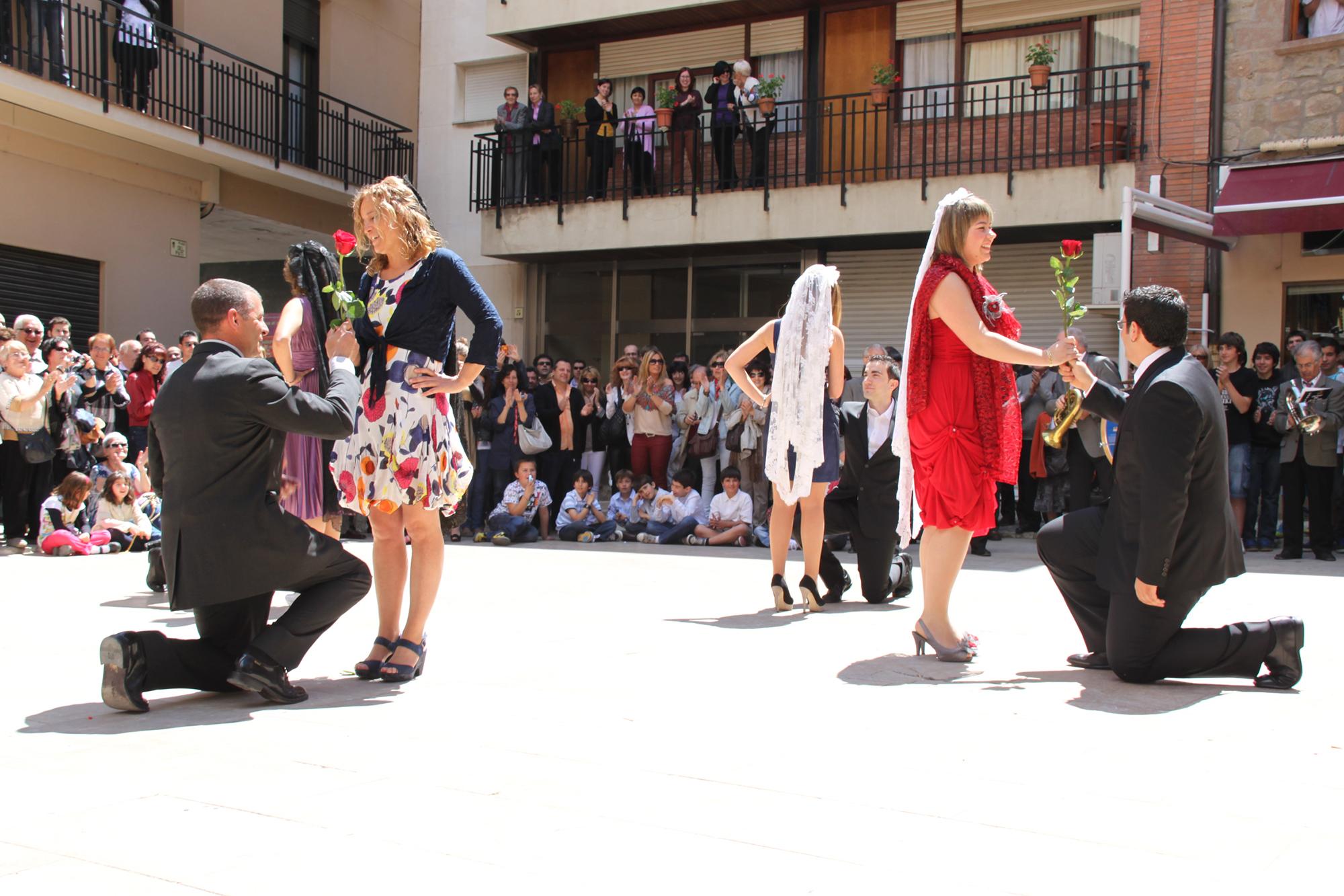 Dansa del Roser de Torà del 2012