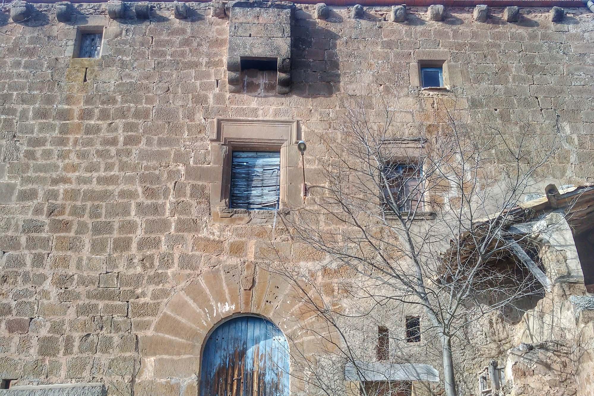 Edificio  Mas de la Vila