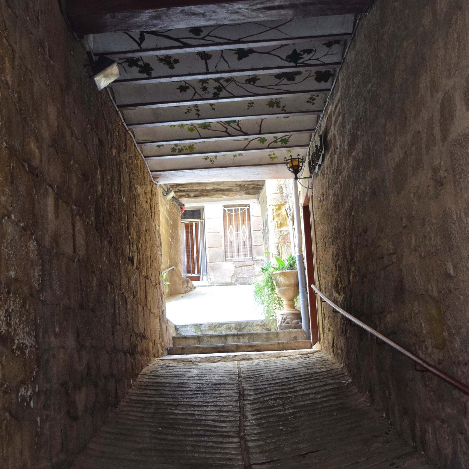 Vila vella  Portals i carrers